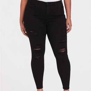 Torrid sky high skinny black distressed jeans